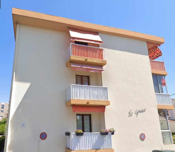 APPARTEMENT DE DEUX PIECES (47 m²)  AVEC CAVE A SAINT LAURENT DU VAR