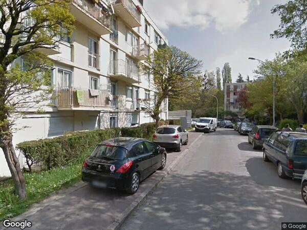 UN APPARTEMENT à Clichy-sous-Bois